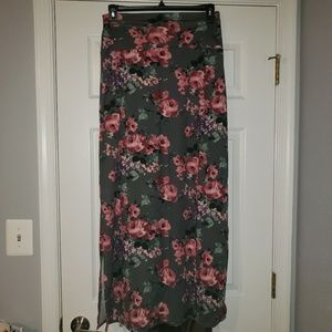 Large Anges and Dora Maxi Skirt